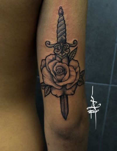 rose-knife dotting