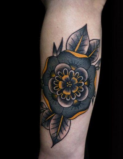 traditional colour flower tattoo λουλούδι τατουάζ αθήνα